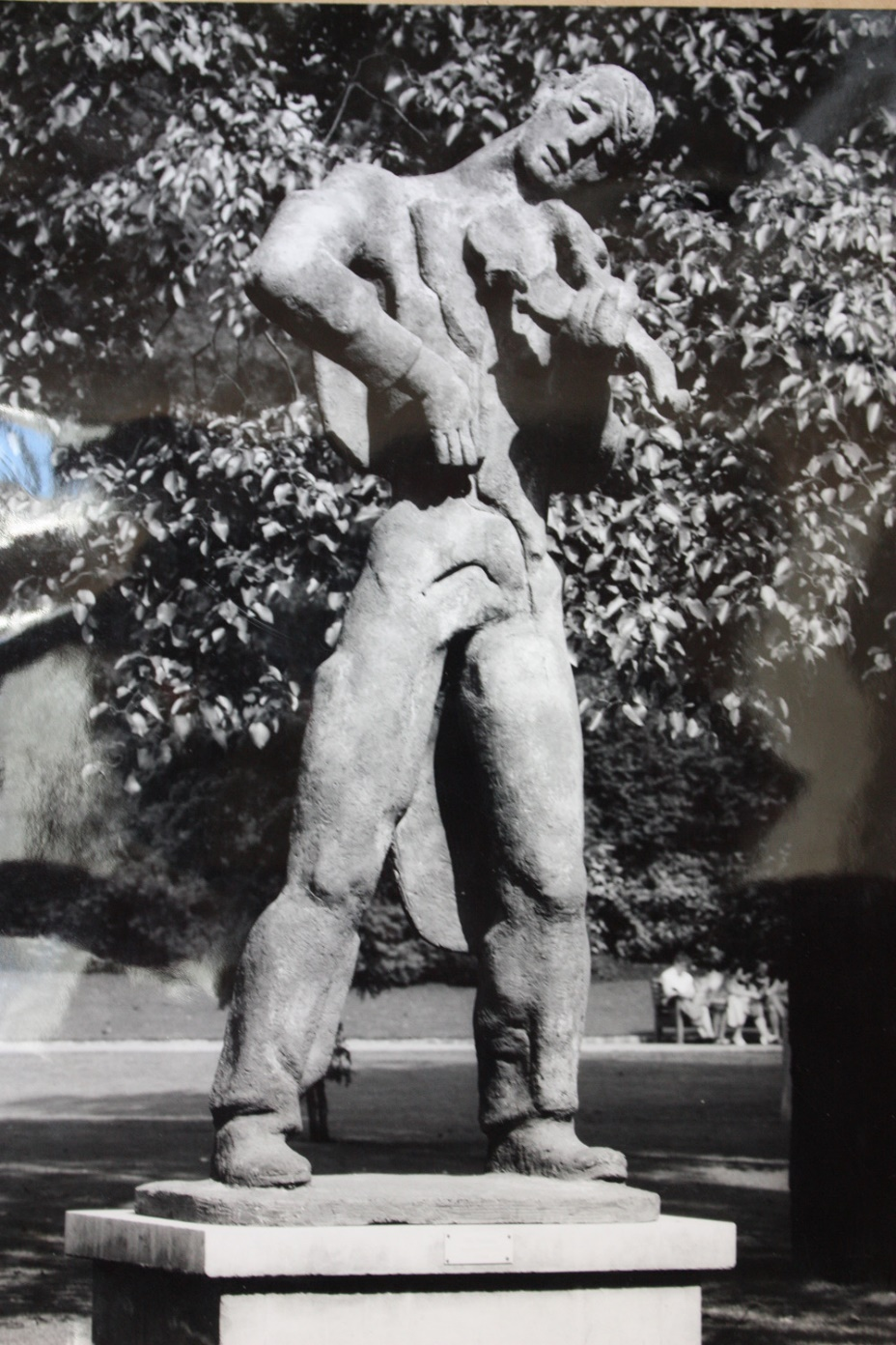 Siegfried Charoux, Violinist (cement), 1959-60, shown at LCC open air sculpture exhibition in Battersea Park 1960.