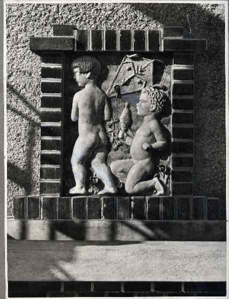 17. Vienna - Gemeinde Wien Bathing Establishment with Relief Panel by A. Fleischmann